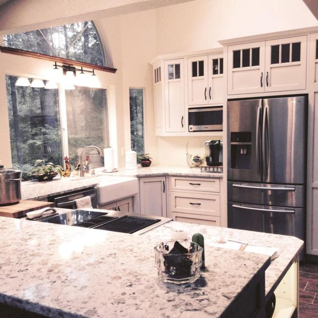 Port Orchard Kitchen Remodel with Wood Flooring