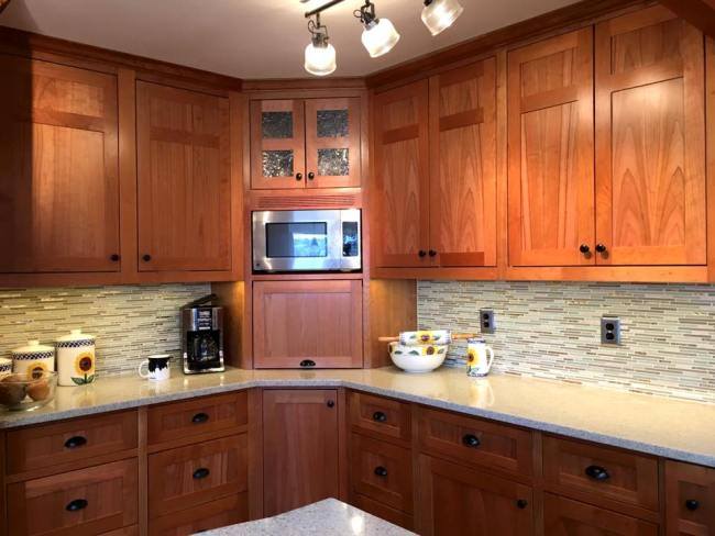 Port Orchard Kitchen Remodel with Custom Eucalyptus Wood Cabinets and Tile Backsplash